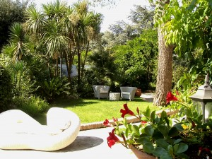 Hotel Martina Franca centro , Hotel con parco secolare, Hotel quattro stelle con giardino. Hotel con ambienti esterni